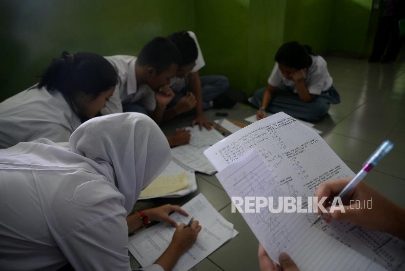 Siswa belajar (ilustrasi)