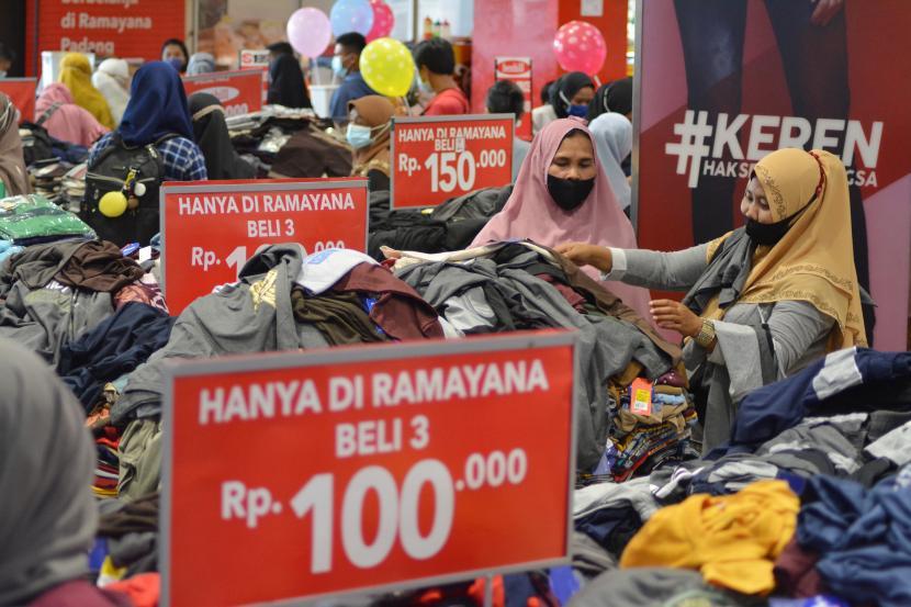 Tingkat kunjungan masyarakat ke pusat perbelanjaan atau mal di Kabupaten Kudus, Jawa Tengah, naik secara bertahap (ilustrasi).