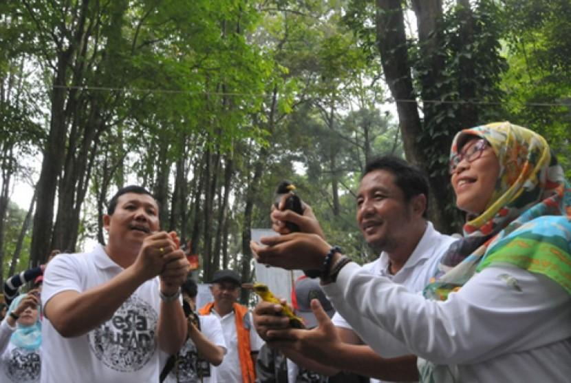 Sekda Iwa Karniwa Buka Festival Tahura Juanda.