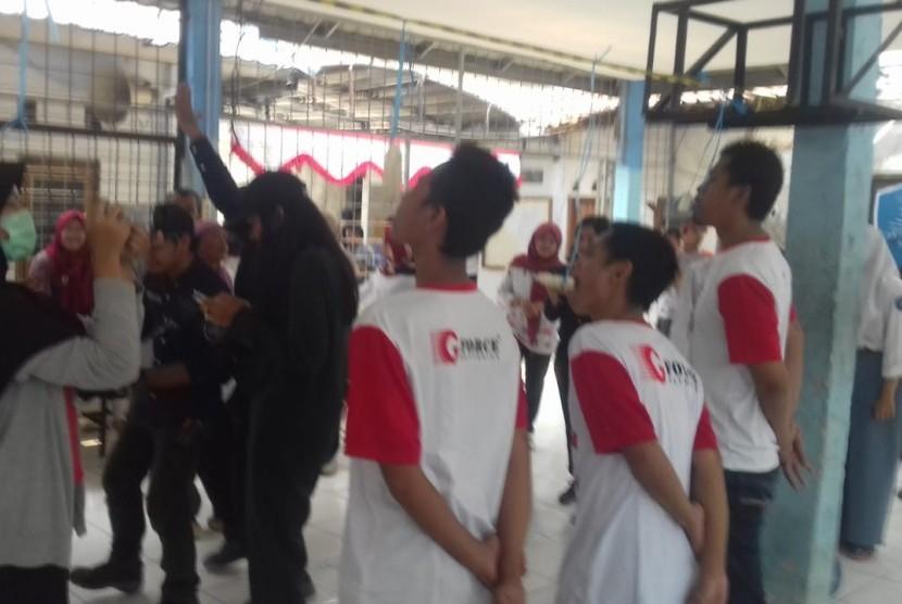 Sekitar 60 pasien Orang Dengan Gangguan Jiwa (ODGJ) bersama pengurus dan relawan Dompet Dhuafa  mengikuti kegiatan upacara dan aneka lomba-lomba HUT RI ke 74