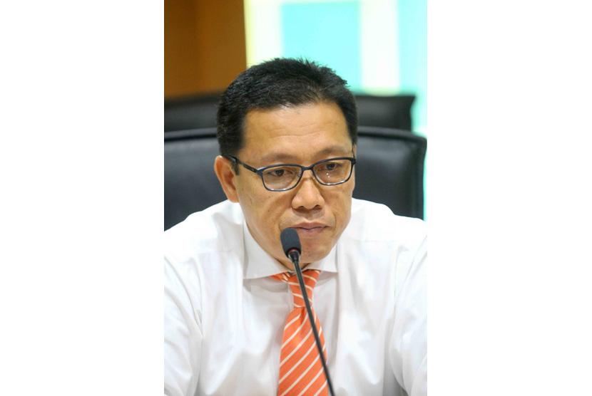 Sekjen Asosiasi Bank Syariah Indonesia (Asbisindo) Achmad Permana memberikan keterangan kepada wartawan saat bincang santai Perbankan Syariah dan Momentum Untuk Pertumbuhan di Jakarta, Senin (21/11).
