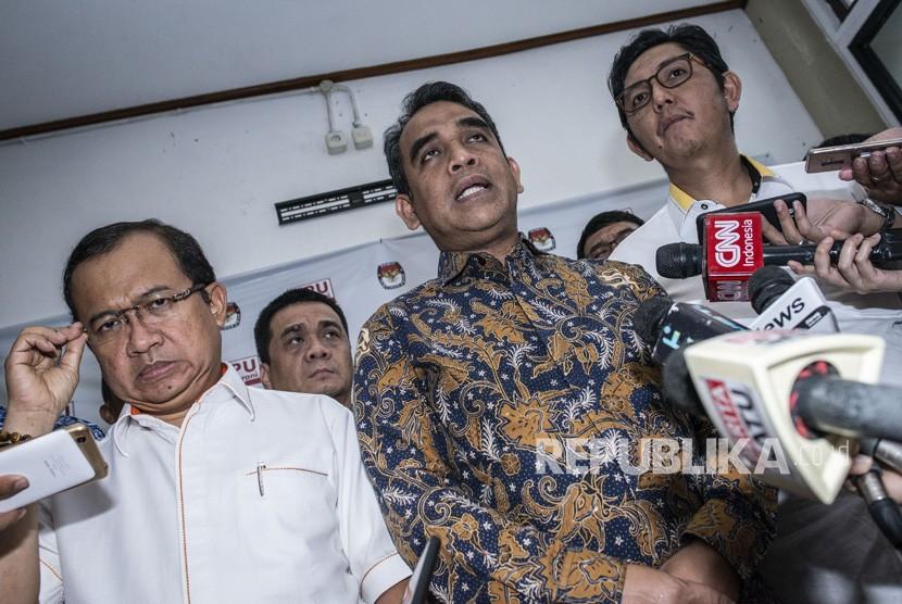 Sekjen Partai Gerindra Ahmad Muzani (tengah).