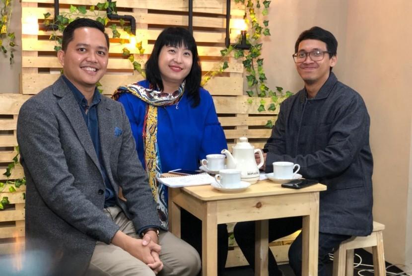 Sekjen Perkumpulan Pariwisata Halal Indonesia (PPHI), Imaduddin Indrissobir (kiri), saat di Studio Republika TV, beberapa waktu lalu.