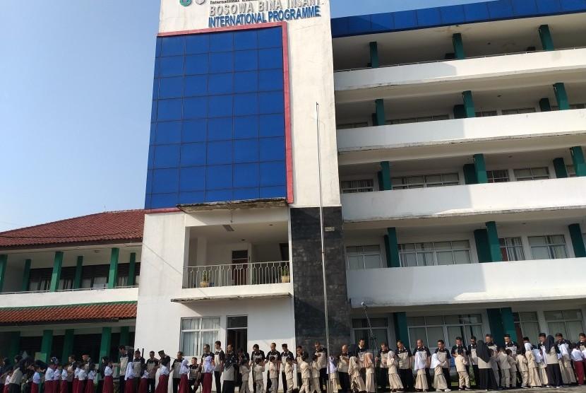 Sekolah Bosowa Bina Insani, Bogor, menggelar acara halal bihalal dalam rangka mengisi momentum Idul Fitri 1440 H.