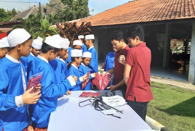 Sekolah Semesta Semarang mengadakan kegiatan Semesta Charity Akbar di Grand Maeroko beberapa waktu lalu.