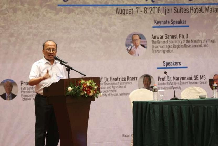 Sekretaris Jenderal Kementerian Desa, Pembangunan Daerah Tertinggal, dan Transmigrasi (Sekjen Kemendes PDTT) Anwar Sanusi.