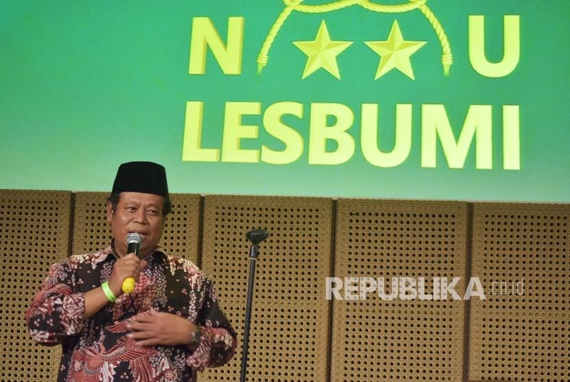 Sekretaris Jenderal PBNU Marsudi Suhud menyampaikan pidatonya saat menghadiri Harlah Lembaga Seniman Budayawan Muslimin Indonesia (LESBUMI) ke-54 di Jakarta, Kamis (24/3). (Republika/Rakhmawaty La'lang)