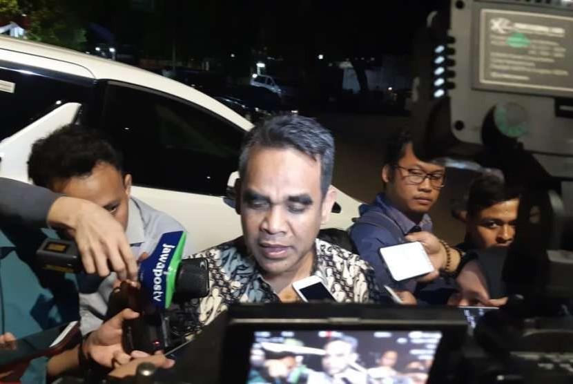 Sekretaris Jenderal (Sekjen) Partai Gerindra Ahmad Muzani menyampaikan malam ini susunan tim pemenangan Prabowo-Sandi akan difinalisasi, di Jalan Kertanegara, Jakarta Selatan, Rabu (18/9).