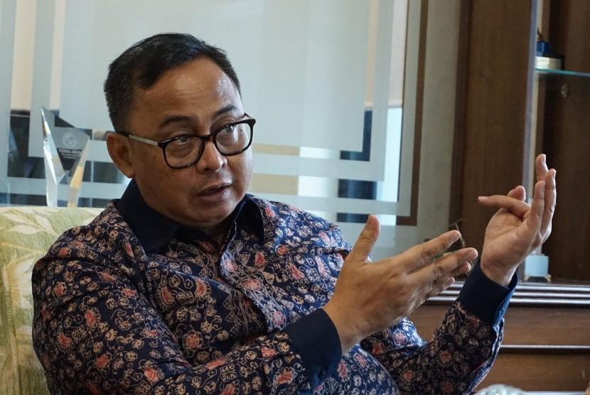 Sekretaris Kementerian Koperasi dan UKM RI, Prof  Dr Rully Indrawan MSi