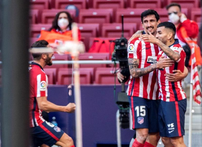 Seleberasi para pemain Atletico Madrid usai mencetak gol (ilustrasi)