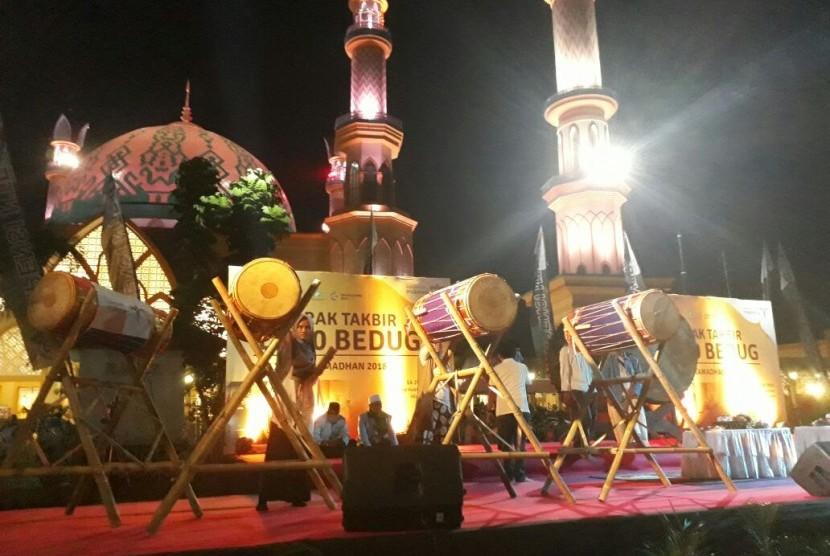 Semarak Seribu Bedug di Pulau Seribu Masjid