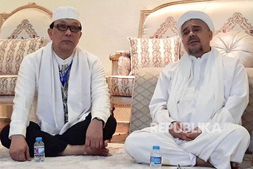 Jakarta's Senator Professor Dailami Firdaus (left) meets with Habib Rizieq Shihab in Saudi Arabia.