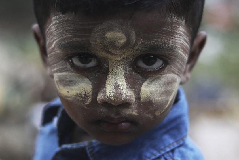Seorang anak dari etnis Rohingya bernama Estahara (3 tahun).