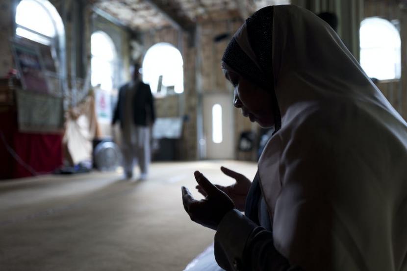 Tantangan Ramadhan 2021: Dilema Bagi Muslim AS. Jamaah berdoa di sebuah masjid di Tompkins, New York, Amerika Serikat.