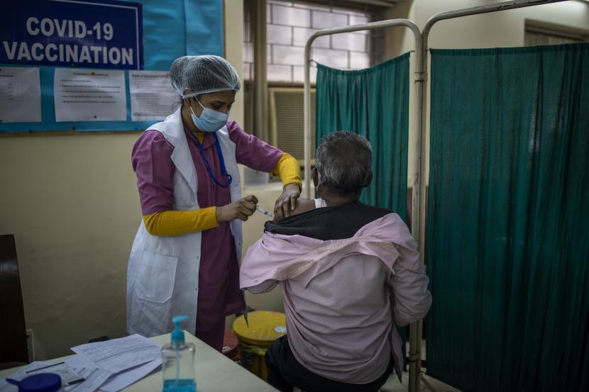 Pemerintah India Didesak Distribusikan Vaksin Lebih Cepat
