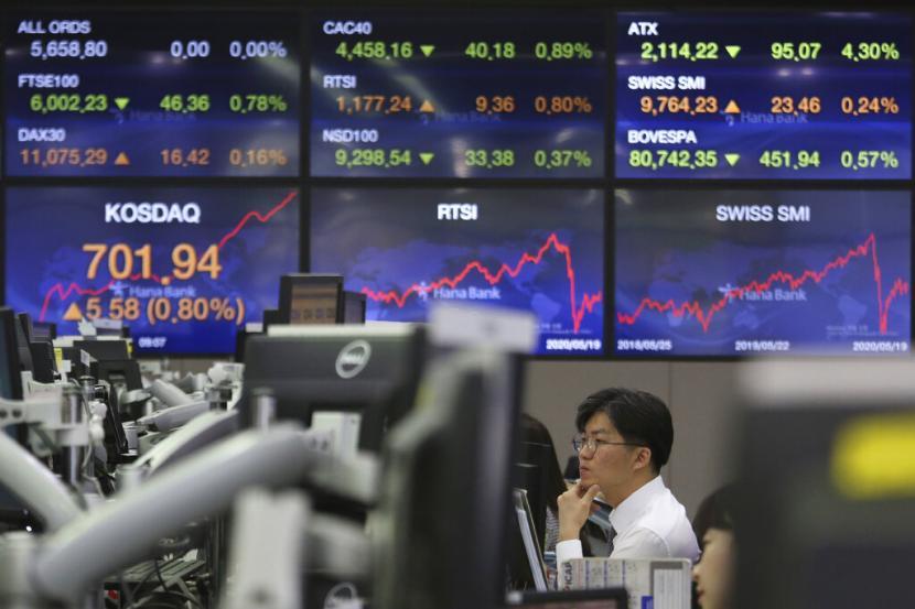 Gelombang Kedua Picu Mayoritas Bursa Saham Asia Melemah | Republika Online