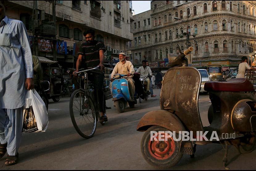 70 persen makanan halal di Paksitan berasal dari produk impor. Ilustrasi suasana Karachi, Pakistan