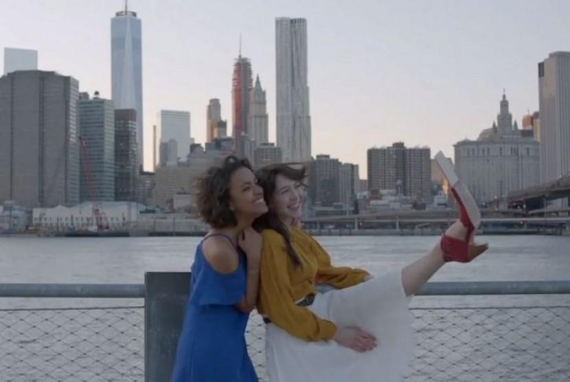 Sepatu Selfie