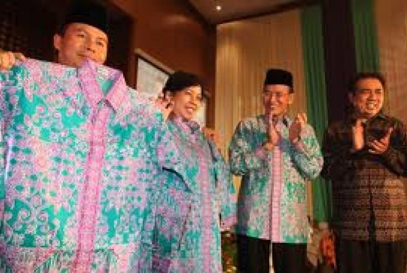 Kemenag Siapkan Seragam Mukena Baru Jamaah Haji Indonesia