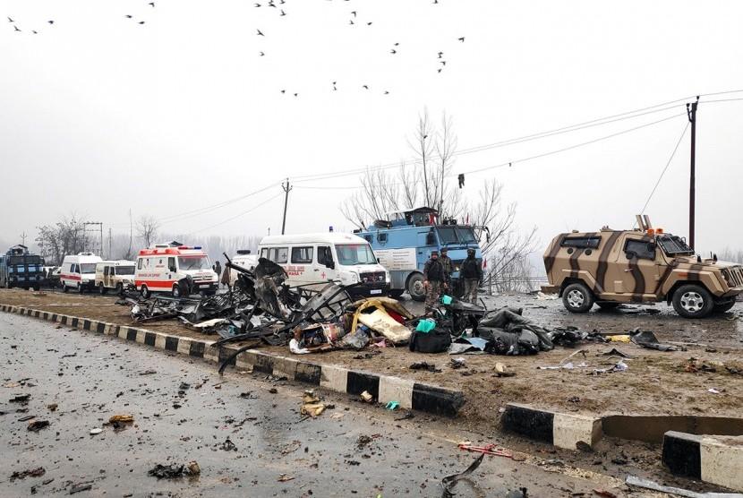 Serangan bom mobil di Kashmir