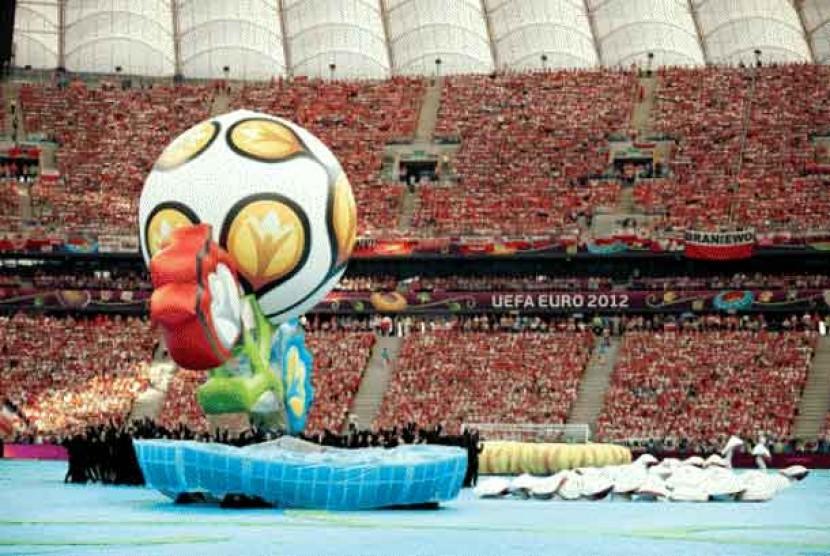 Seremoni pembukaan Piala Eropa 2012.