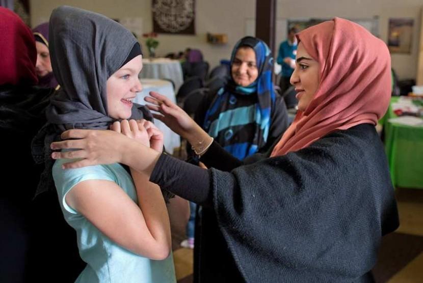 Kegiatan open house masjid di Amerika (ilustrasi)