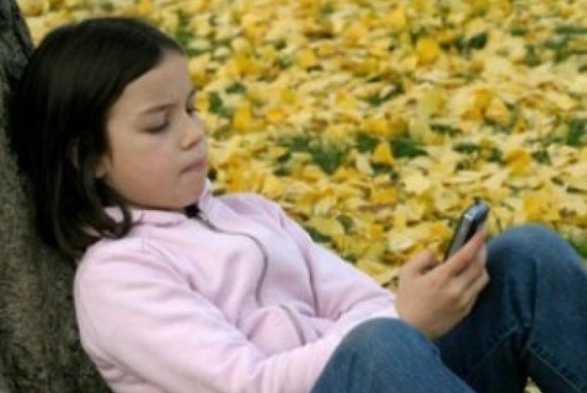 Sering gunakan ponsel dan game konsol membuat anak rentan terserang nyeri sendi