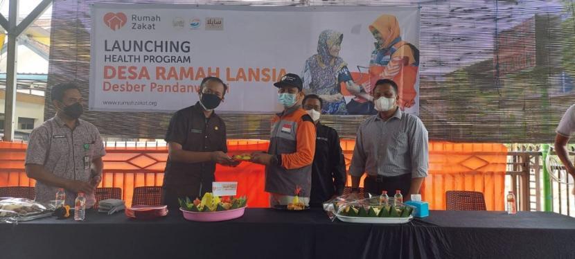 Setelah 1 tahun berjalan dan sempat vakum karena pandemi, Desa Berdaya Pandanwangi dengan program Ramah Lansia kembali berupaya mendampingi para lansia.