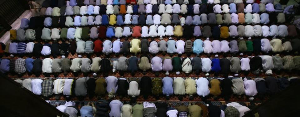 Shalat berjamaah di sebuah masjid di Amerika Serikat