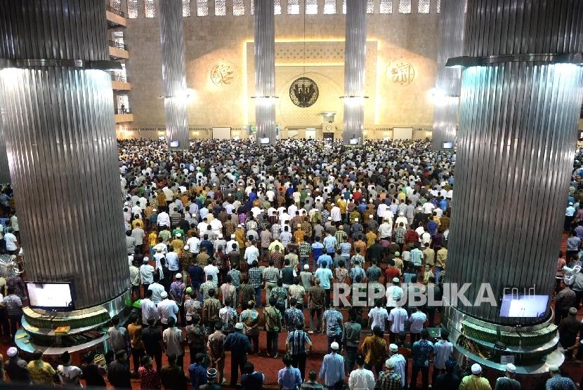 Shalat Berjamaah/Ilustrasi
