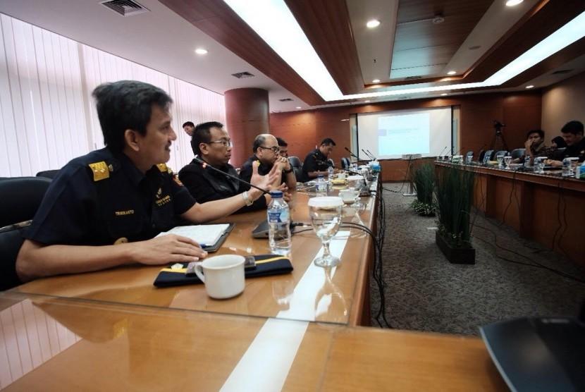 Sharing Session Program Penguatan Reformasi Direktorat Jenderal Bea Cukai (DJBC) kepada Pengguna Jasa Kepabeanan dan Cukai,Selasa (11/7).