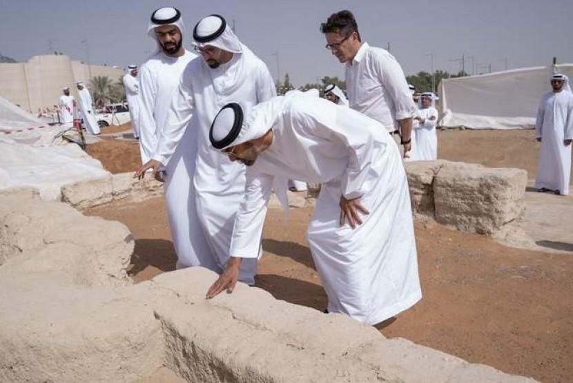 Sheikh Mohamed bin Zayed Al Nahyan, Putra Mahkota Abu Dhabi.