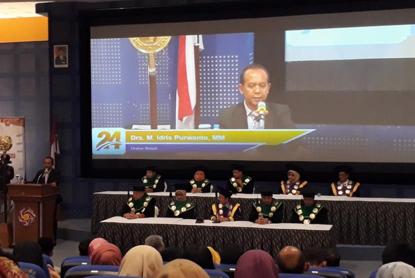 Sidang Senat Terbuka Dies Natalis 24 Universitas Amikom Yogyakarta  di Ruang Cinema Amikom, Kamis (11/10).