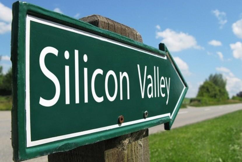 Silicon Valley. Kawasan Ekonomi Khusus (KEK) Singhasari yang ada di wilayah Kabupaten Malang, Jawa Timur diharapkan menjadi Silicon Valley dari Indonesia.