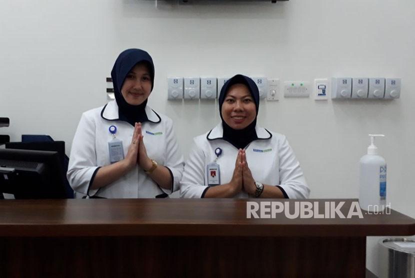 Siloam Hospitals Group resmi membuka rumah sakit ke-32, RS Siloam Silampari, di Lubuk Linggau. RS Siloam Silampari menghadirkan pelayanan kesehatan bertaraf internasional dengan alat-alat pendukung berteknologi terkini.