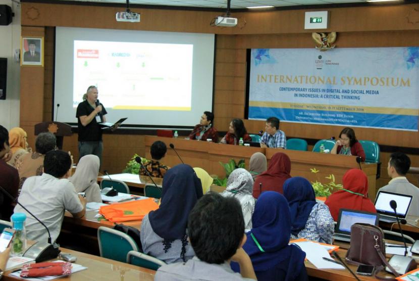 Simposium Internasional Prodi Ilmu Komunikasi Universitas  Muhammadiyah Yogyakarta (UMY) di Kampus Terpadu UMY.