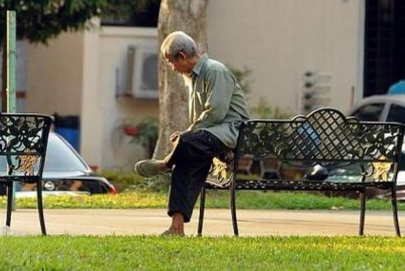 Singapura akan bangun lebih dari 100 fasilitas bagi warga manula hingga tiga tahun ke depan untuk memenuhi kebutuhan jumlah populasi usia senja yang kian bertambah.