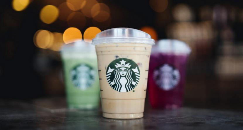 Sippy cup membuat pelanggan Starbucks dapat meminum langsung pesanannya tanpa perlu bantuan sedotan.