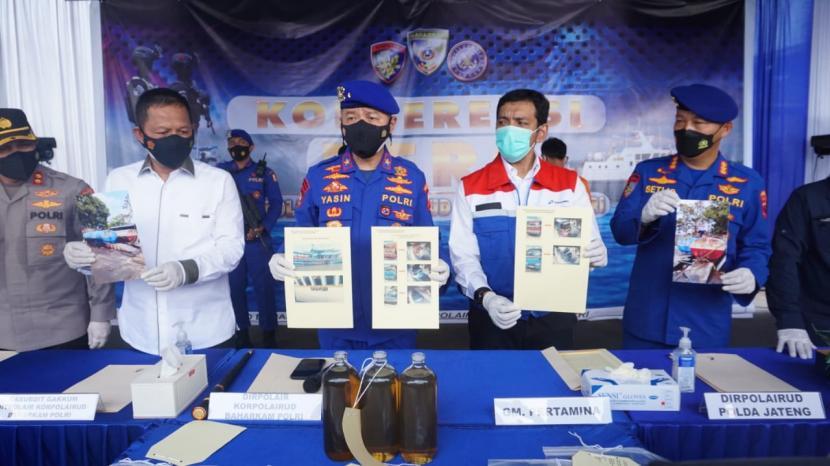 Sistem monitoring dan pengawasan ketat distribusi Bahan Bakar Minyak (BBM) Pertamina kembali memantik hasil dengan terbongkarnya aksi penimbunan illegal atas solar subsidi di wilayah Jawa Tengah.