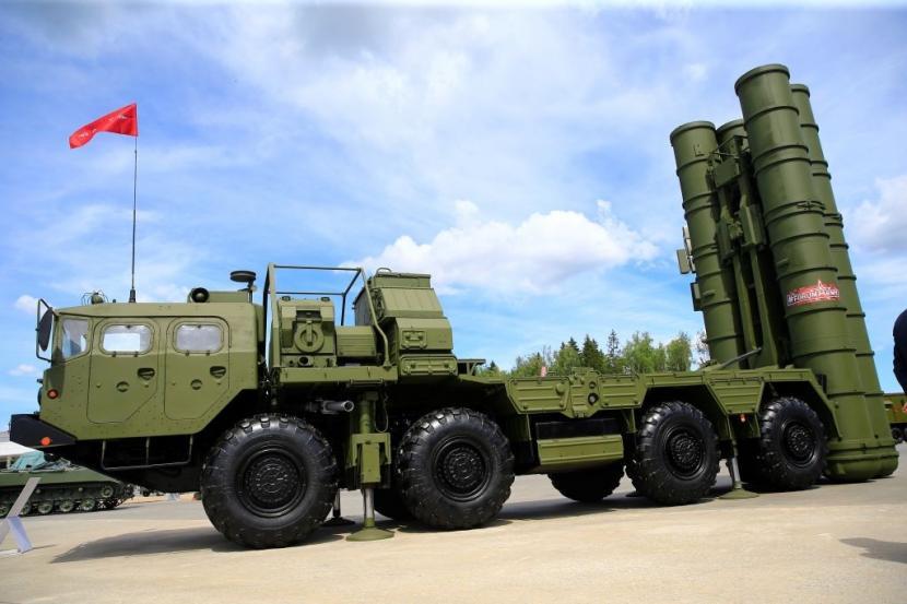 Sistem pertahanan udara S-400 milik militer Turki yang dibeli dari Rusia.
