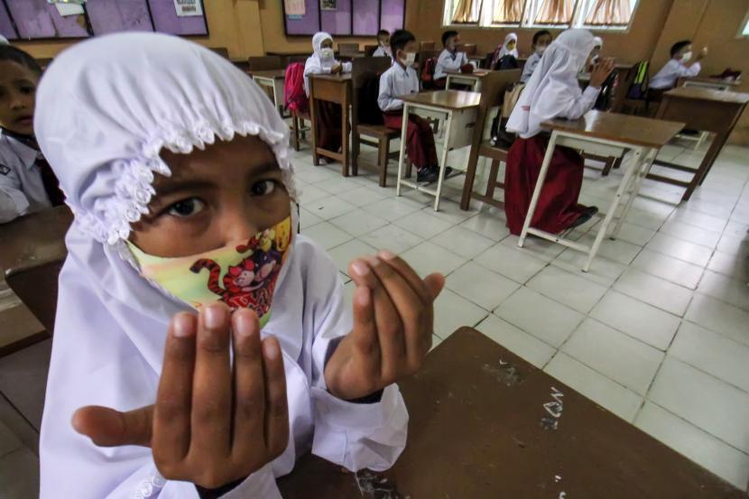 Pembelajaran tatap muka (PTM) di Kotabaru dihentikan sementara (ilustrasi).