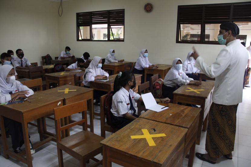 Kajari Tanjung Perak Jadi Guru Simulasi Sekolah Tatap Muka (ilustrasi).