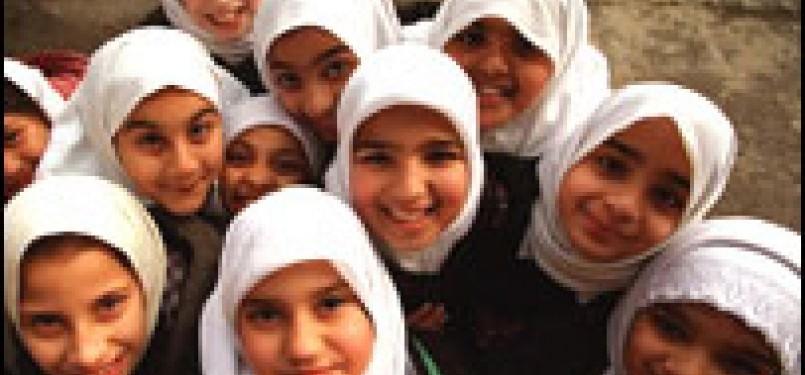 Siswi di sekolah Islam Inggris