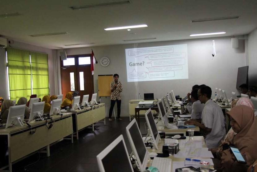 SIT Nurul Fikri mendorong para guru untuk memaksimalkan media pembelajaran dalam kegiatan belajar mengajar (KBM).