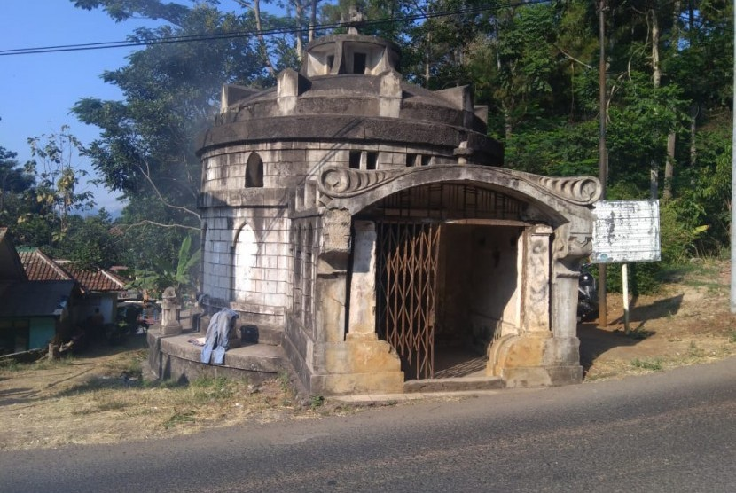 Situs makam Van Beck di Jalan Cigugur-Palutungan Kabupaten Kuningan.