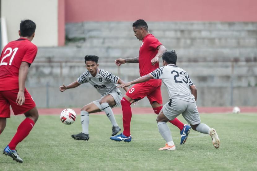 Pemain Persis, Dika Kuswandari Kejar Impian Bela Timnas U-20 (ilustrasi).