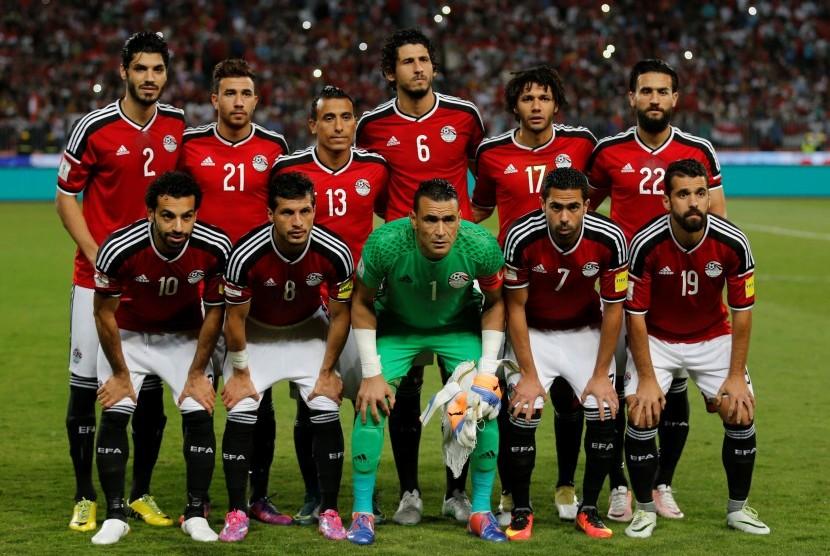 Skuat timnas Mesir berpose sebelum laga kualifikasi Piala Dunia 2018 lawan Ghana di stadion Army, Senin (14/11) dini hari WIB. Mesir menang dengan skor, 2-0.