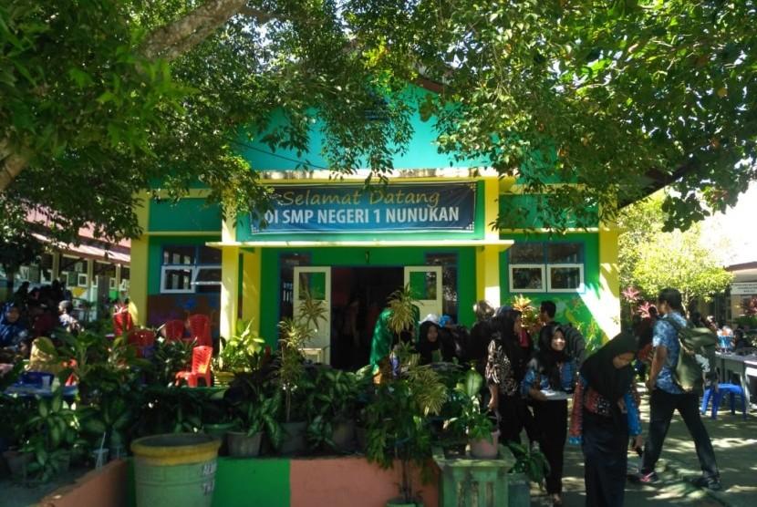 SMP Negeri 1 Nunukan, Kalimatan Utara, salah satu sekolah yang berada di wilayah perbatasan.