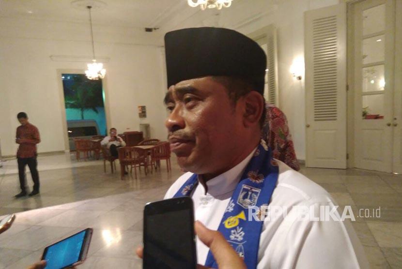 Soal pembelian tanah Pemprov DKI Jakarta 1 tahun lalu, Plt Gubernur DKI Jakarta Soni Sumarsono mengatakan proses masih terus berjalan dan dokumen masih diselidiki, Kamis (30/3).