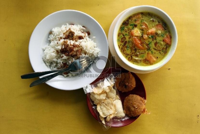 Soto, salah satu ragam kuliner paling kaya di Indonesia.